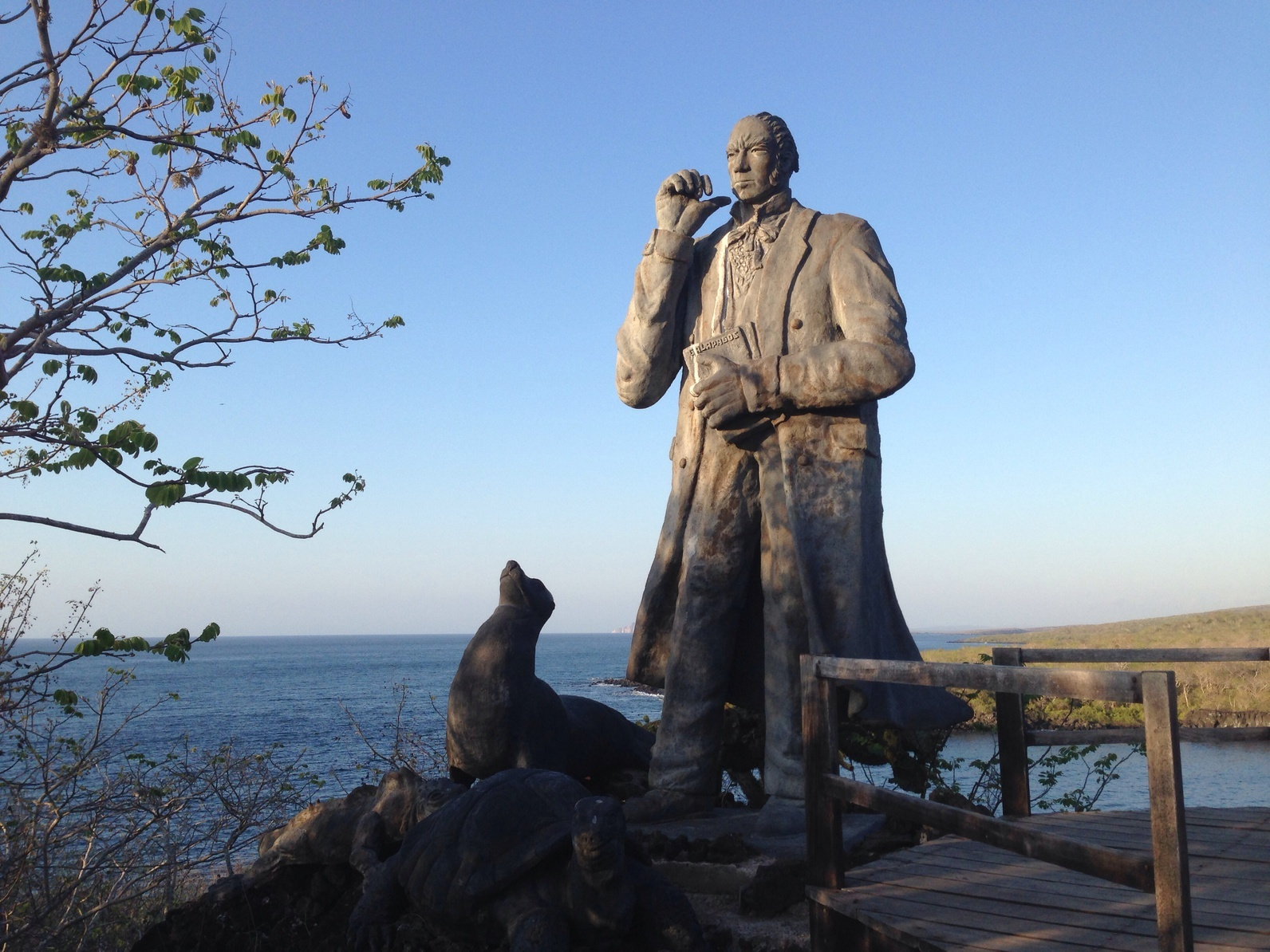 Charles_Darwin_Galapagos.jpg